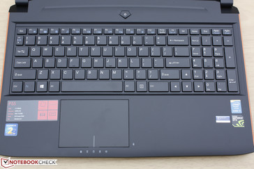Standard keyboard layout with no auxiliary or Macro keys