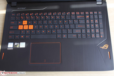 Standard layout with no dedicated Macro keys