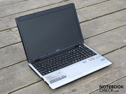 2.44 kilograms including the battery, are however a normal weight for a 15.6 inch notebook.