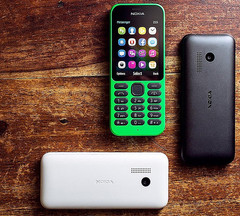 Microsoft Nokia 215 is a $29 USD feature phone with basic Internet capabilities