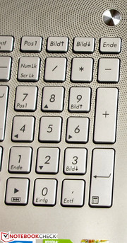 A number pad is installed.