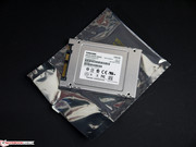The OEM drive comes in a simple anti-static bag.