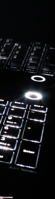 Toshiba Satellite P50t-B-10T: the keyboard is illuminated.