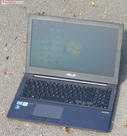 The Asus PU500CA used outdoors.