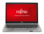In Review: Fujitsu Lifebook S904 (S9040MXPA1DE). Model courtesy of Fujitsu Germany.