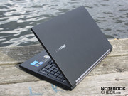 Samsung's Series 2 starter business notebook, the 200B5B-S01DE, costs app. 700 Euro.