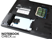 Two panels on the underside of the notebook give access to the hard drive and the memory.