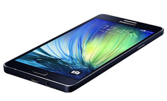 Samsung Galaxy A7 with 5.5-inch Full HD display, 5 MP wide front camera and 13 MP main camera