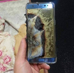 Samsung halts Galaxy Note 7 production due to repeated explosions