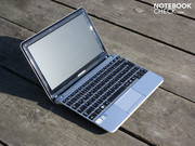 Samsung's netbook, NC210, wants to be just that.