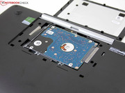 The maintenance cover makes it possible to install an SSD easily.