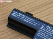The battery with 48 Wh, 4400 mAH and 11.1 V...