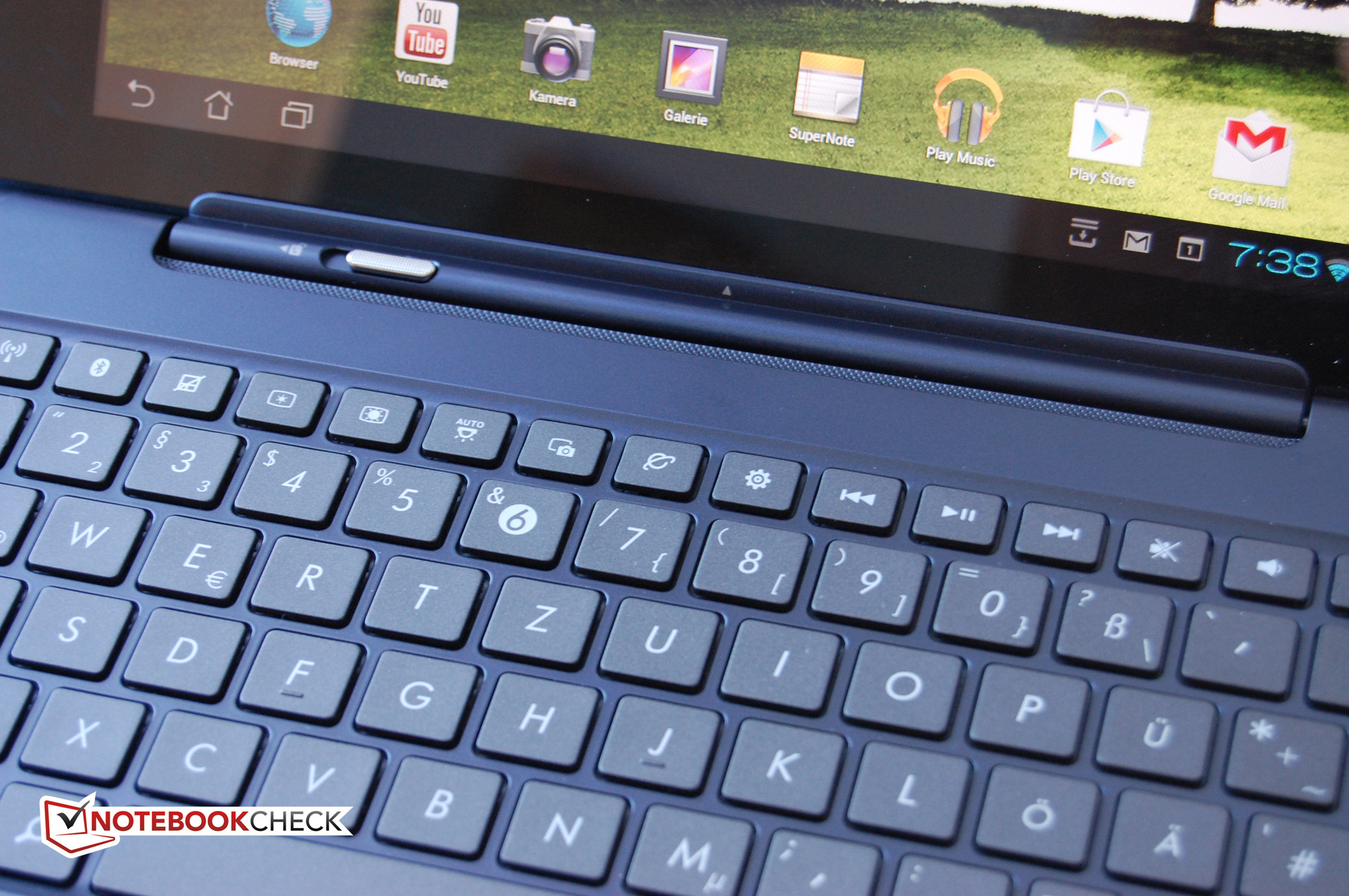 Review Asus Transformer Pad TF300T Tablet/MID