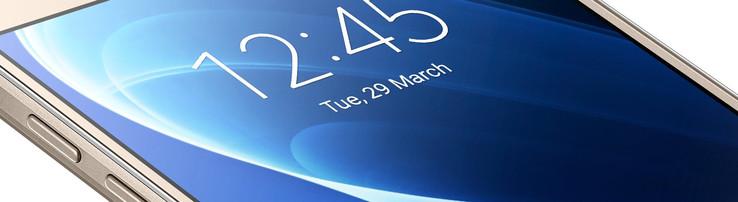 Samsung Galaxy J7 (2016) Smartphone Review - NotebookCheck net Reviews