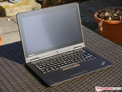 Lenovo ThinkPad Yoga 12. Test model courtesy of Campuspoint.de