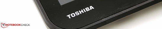 Toshiba Satellite W30Dt-A-100: is it truly as seamless an integration of notebook and tablet, as the manufacturer claims it to be?