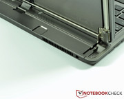 The small bulge in the base unit offers sufficient space in tablet mode for the main camera.