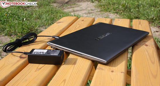 Toshiba's Satellite Z930-119: The long runtime and application performance of a larger device