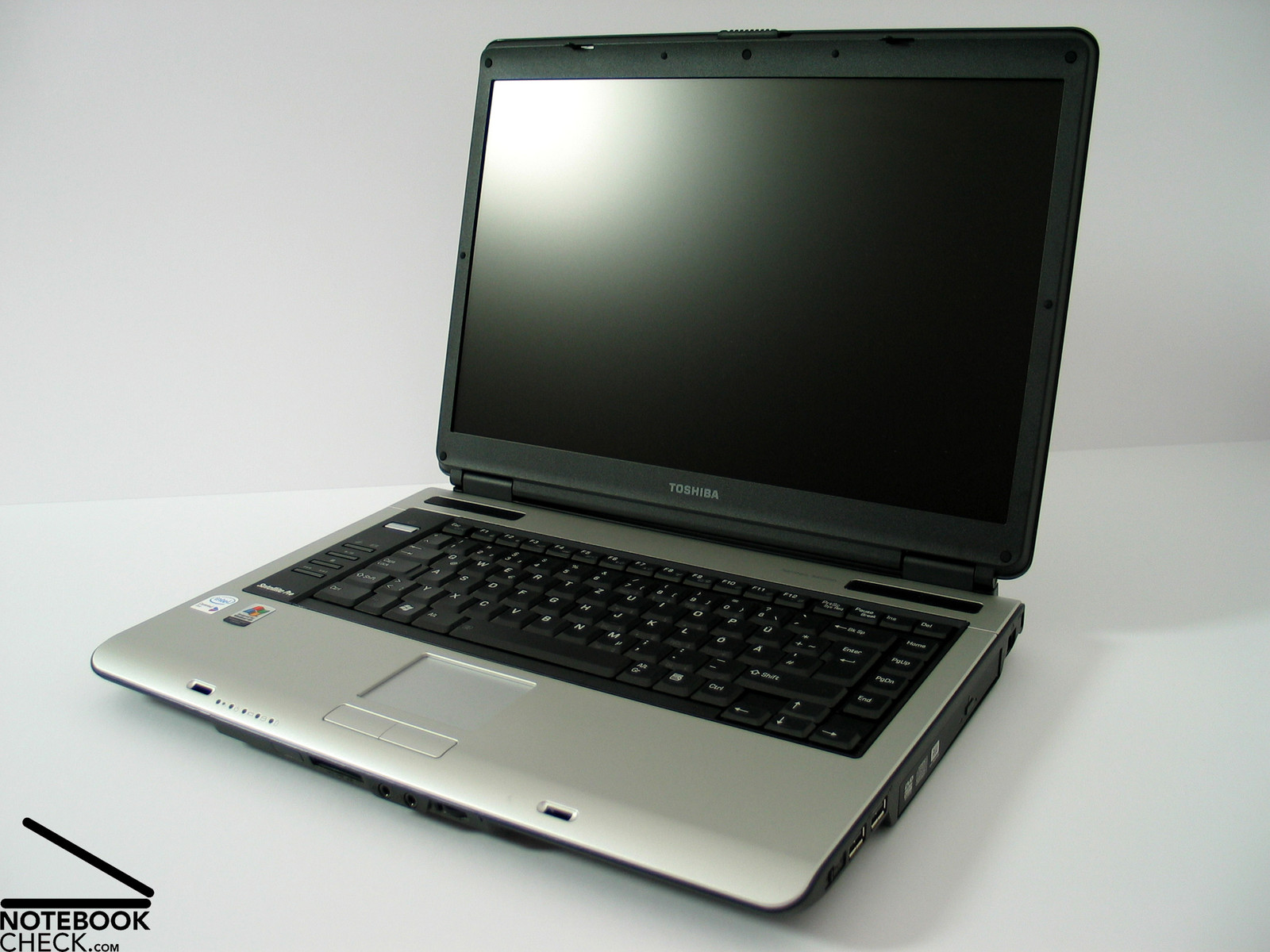review toshiba satellite pro a100 notebook notebookcheck net reviews rh notebookcheck net