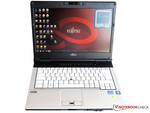 14 inch notebook with WLAN/UMTS support and many accessories.