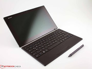 Sony complements its Vaio Tap 11 with a Bluetooth keyboard and a digitizer pen by default.