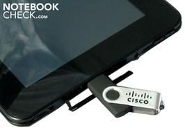 Handy USB slot: USB sticks or hard disks can be inserted directly into the pad