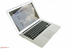 Apple MacBook Air 13 2015. Test model provided by Notebooksbilliger.de