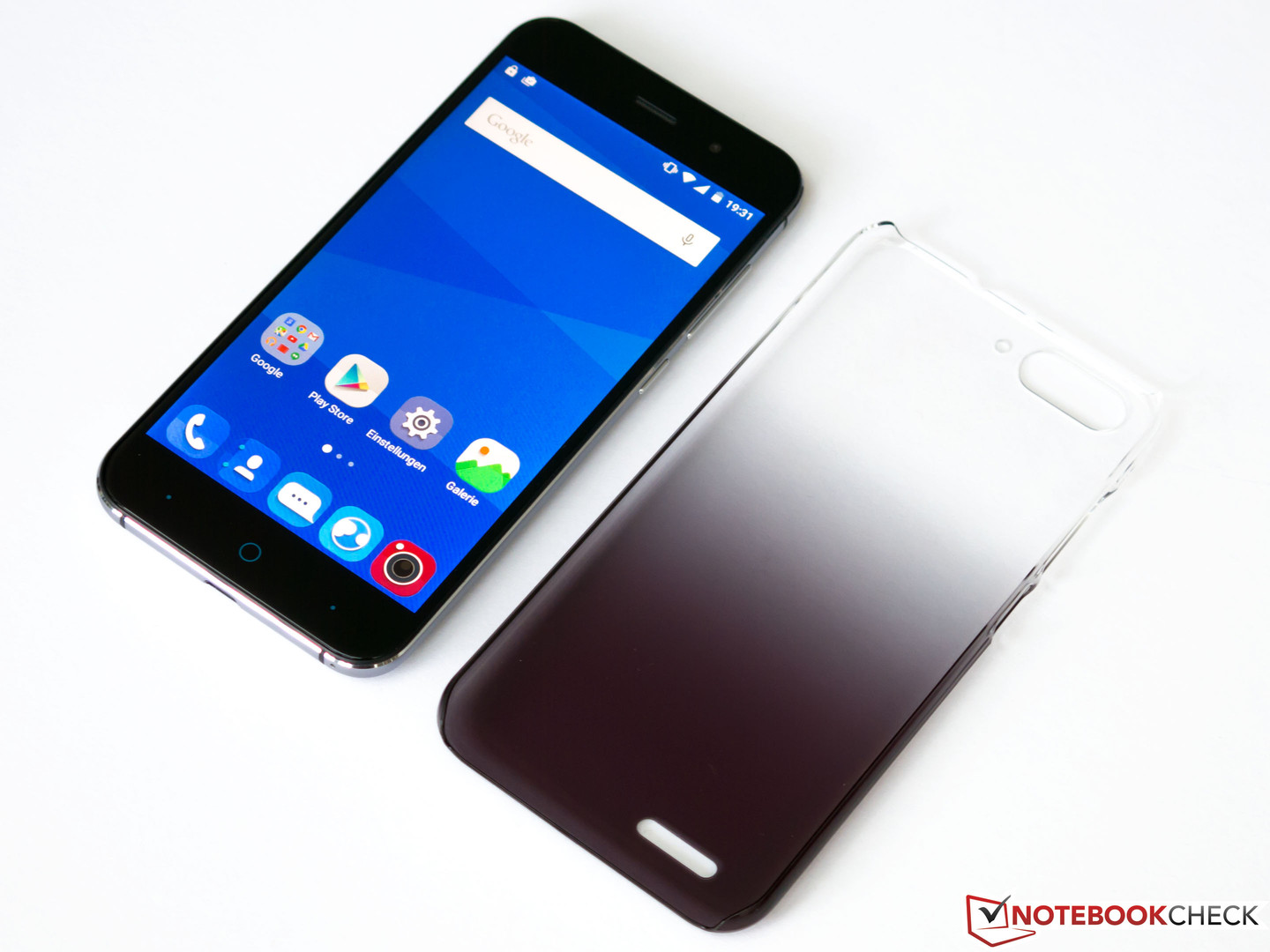 Zte blade v6 smartphone review notebookcheck reviews zte blade v6 back cover biocorpaavc Choice Image