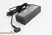 AC adapter (10.5 x 4.5 x 3 cm) outputs 19.V of power