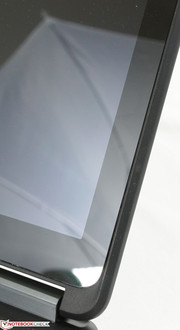 The edge-to-edge Gorilla Glass NBT screen is the only glossy surface