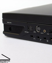 The notebook offers an HDMI port, a Firewire 1394b port, an optical TOSlink sound connection or an antenna connection for the optional DVB-T tuner, which are all user-friendly and well-organized.