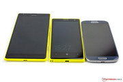 Left to right: Lumia 1520, Lumia 1020, Galaxy S4