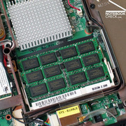 For the working memory, a total of 4096MB of the fast DDR3 RAM modules is already used as a new feature of the Montevina platform.