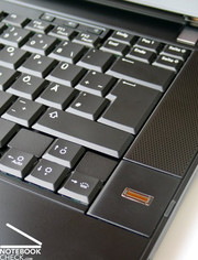 The keyboard is mainly characterized by a clear layout and spacious keys.
