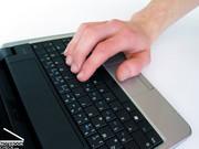 Eine Bedienung im 10-Finger System ist zwar möglich, erfordert aber eine mühsame Einarbeitungsphase.