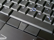 Due to its touchpad/trackpoint combination, it is also user-friendly to work with the M2400 without external mouse.