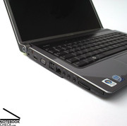 Picking the Dell up from the front edge of the case is handled smoothly without noise or deformation.