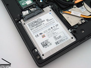 The integrated mass storage devices of the test sample was a very fast SSD from Samsung.