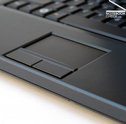 It is supported by a touch pad with a pleasant to use surface. The two touch keys have to be pressed deeply, which is typical for Dell.