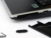 Furthermore, the M860TU notebook is also equipped with an ExpressCard slot and a 7in1 card reader, which are at the right side close to the front.