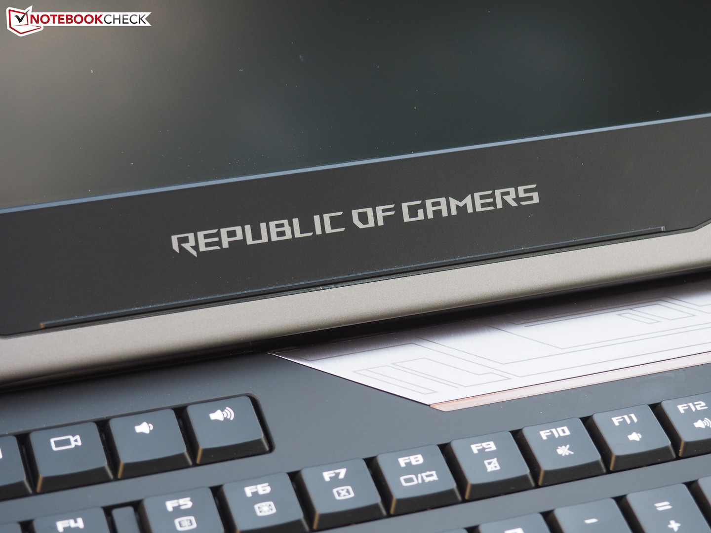 Asus ROG G800VI Notebook Preview - NotebookCheck net Reviews