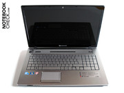 The chassis is for the most part like that of the Acer Aspire 7745G.