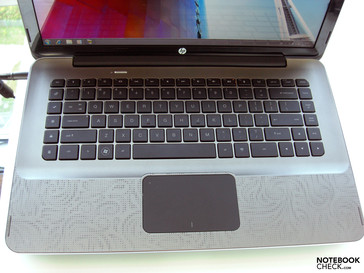 With both Notebooks HP focuses on a stylish single key layout.