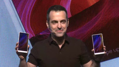 Hugo Barra, VP of Xiaomi International introduced the white version of the Mi Mix at CES 2017.