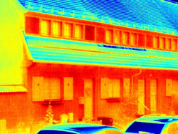 Infrared picture of a house in false colors