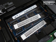 Both RAM slots are occupied by a generous 2x 4096 MByte DDR3 RAM