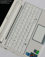 The touchpad accepts, like the Eee PC 900, Multitouch entries.