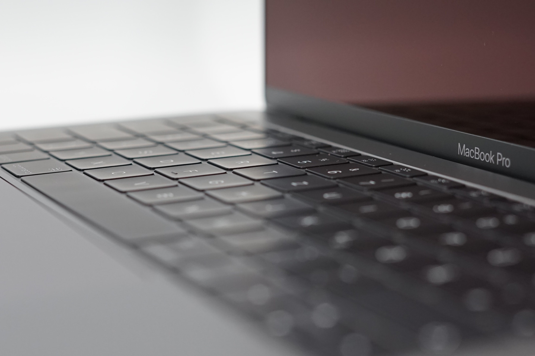 apple macbook pro 13 late 2016 2 ghz i5 without touch. Black Bedroom Furniture Sets. Home Design Ideas