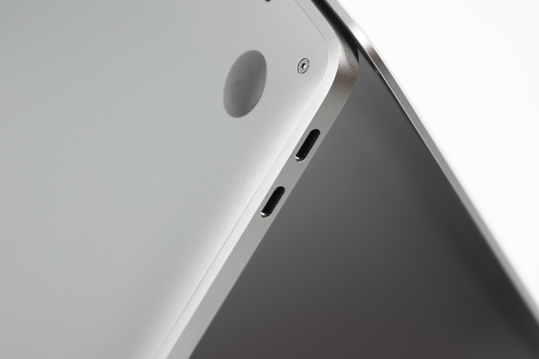Face Off: Xiaomi Mi Air vs  Dell XPS 13 9360 vs  Apple MacBook Pro
