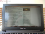 Taichi 31 in ultrabook mode outdoors